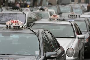 Франция установит единую тарифную ставку для парижских такси, следующих в аэропорт