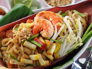 Туристическое управление Таиланда отмечает 75-летие национального блюда «Пад тай»