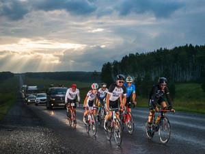 Hampton by Hilton поддержал двух велогонщиков на трассе велогонки Red Bull Trans-Siberian Extreme