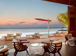 Секретный ресторан в LUX* North Male Atoll, Мальдивы