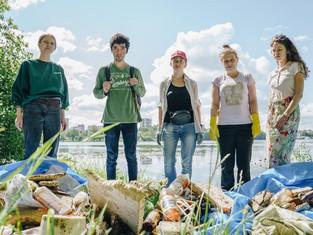 Greenpeace вместе с волонтёрами начал серию пластиквотчингов