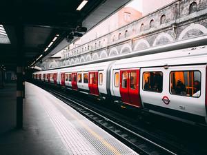 Куда в этом октябре выгоднее всего ехать на поезде