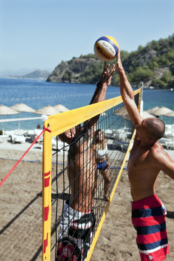 #Hillside Beach Club www.turpressa.com