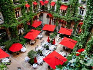 Лето под парижским небом в Hôtel Plaza Athénée
