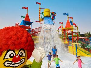 Весна в дубайском LEGOLAND Water Park начнется с тропической пляжной вечеринки!