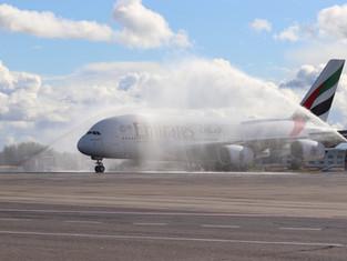 Москва приветствует Эмирейтс А380