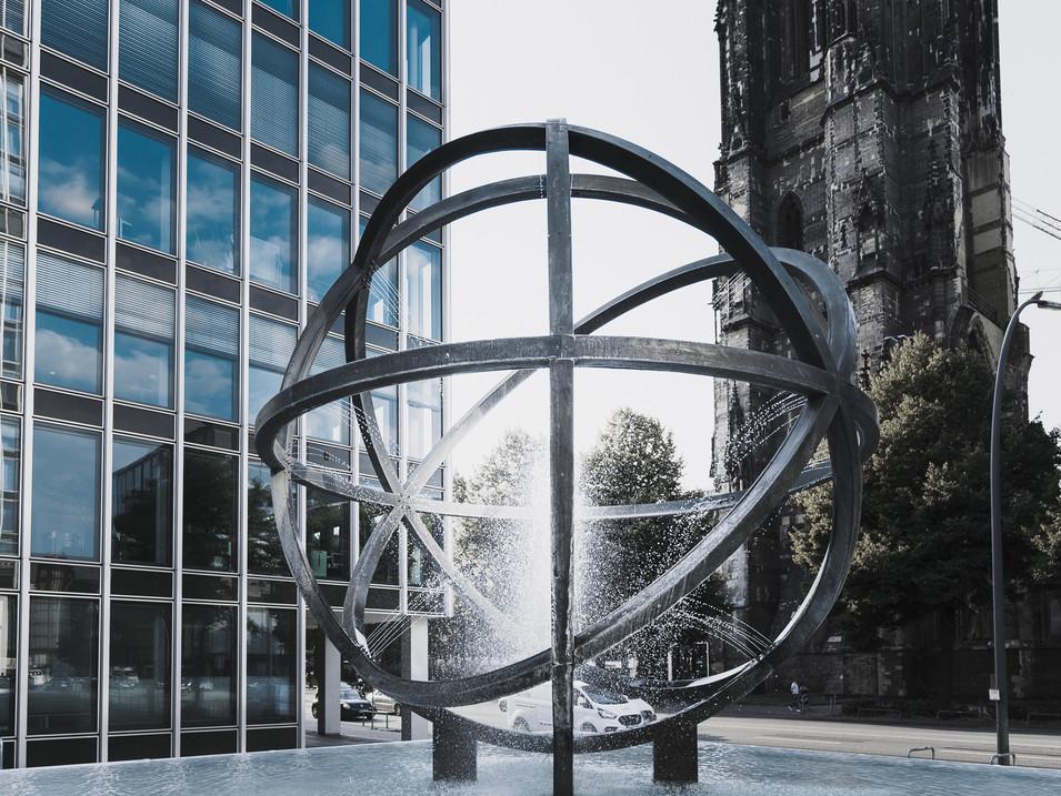 Globusbrunnen