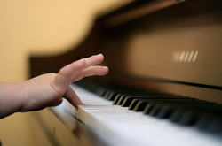 enfant-au-piano