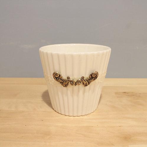 古典風白色花器