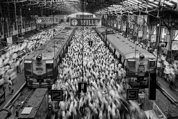 Sebastião Salgado, Untitled, 1995, a photograph taken at a terminus station in Bombay, India.