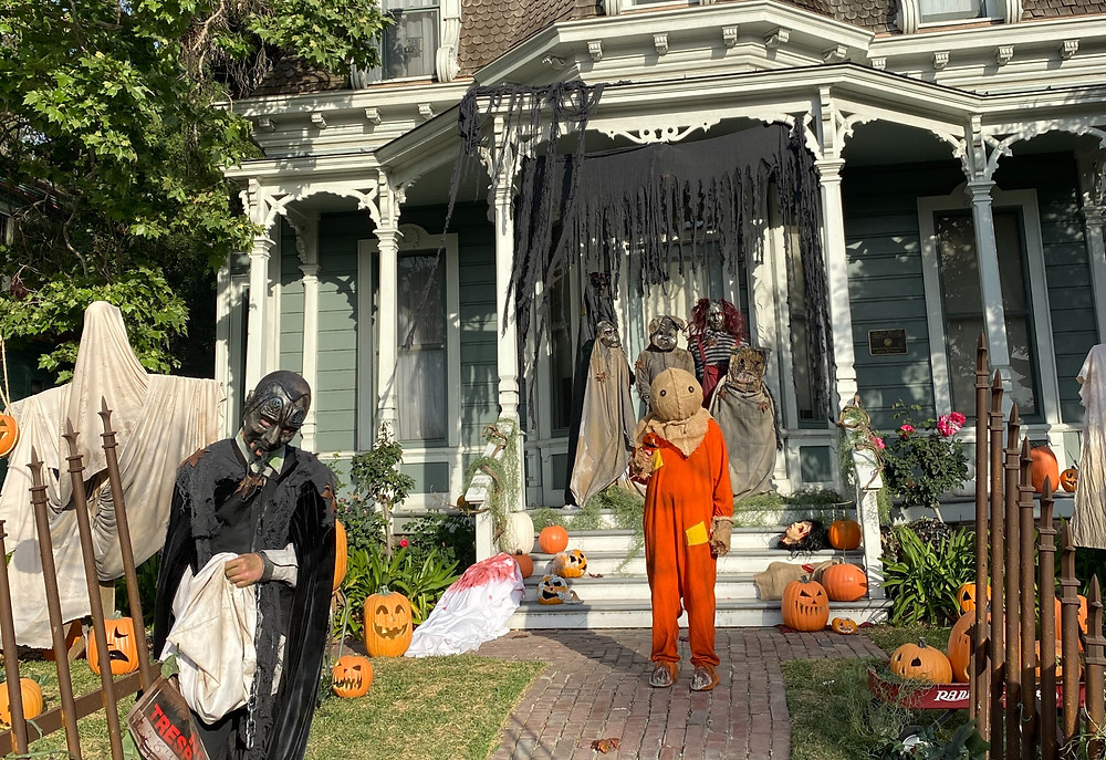 Trick 'r Treat display by Murder House Productions