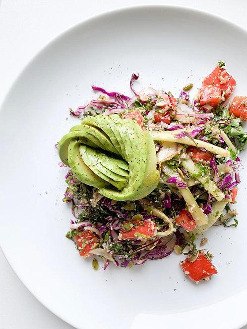 Saladas refrescantes para o verão com opções veganas