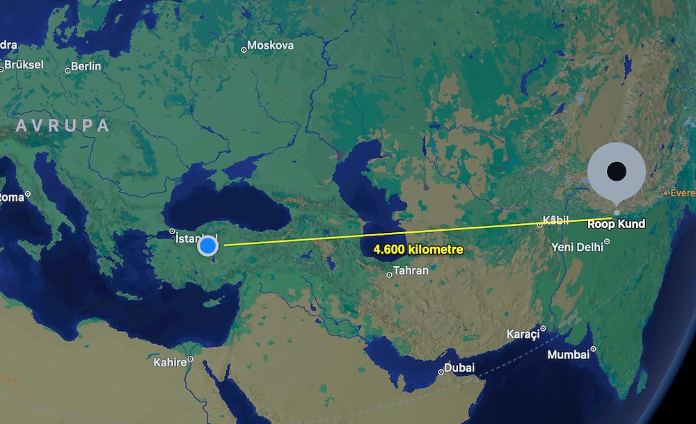 Roopkund gölü Türkiye'ye kuş uçuşu 4.600 kilometre uzaklıkta. (Harita: uzakevrenler)