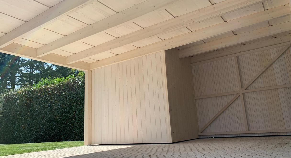 Aspect sous toiture en panneaux triples
