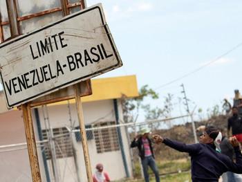 Fronteira em colapso: Imigrantes desafiam a lei para recomeçar a vida