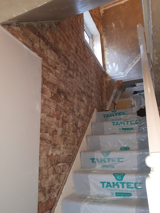 Plasterboarding,adesive ,(Dot and Dab)