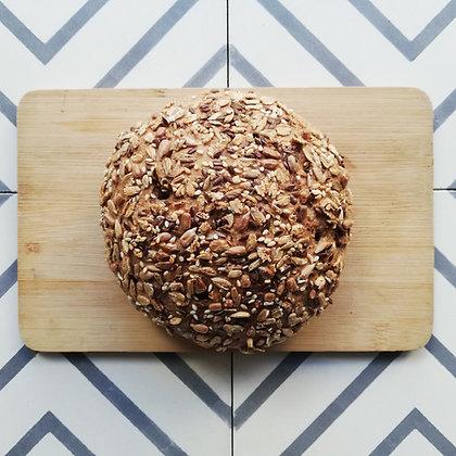 Sokmagvas teljes kiőrlésű kenyér