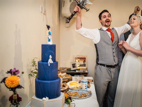 """What the heck is a """"Proper"""" Wedding Cake anyway?!"""