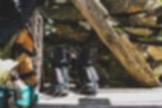 Chaussures de randonnée à l'ancienne  | Randonnées à Rando's Valley | Grands Gîtes Vercors | Activités