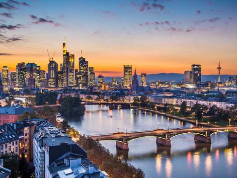 Frankfurt   De centro financiero A capital de estilo.