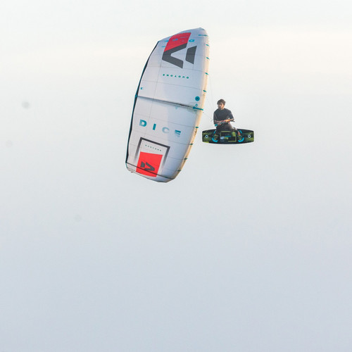 TRUE KITEBOARDING
