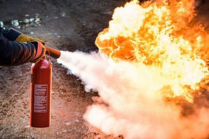 How-To-Use-A-Fire-Extinguisher-420x280_c