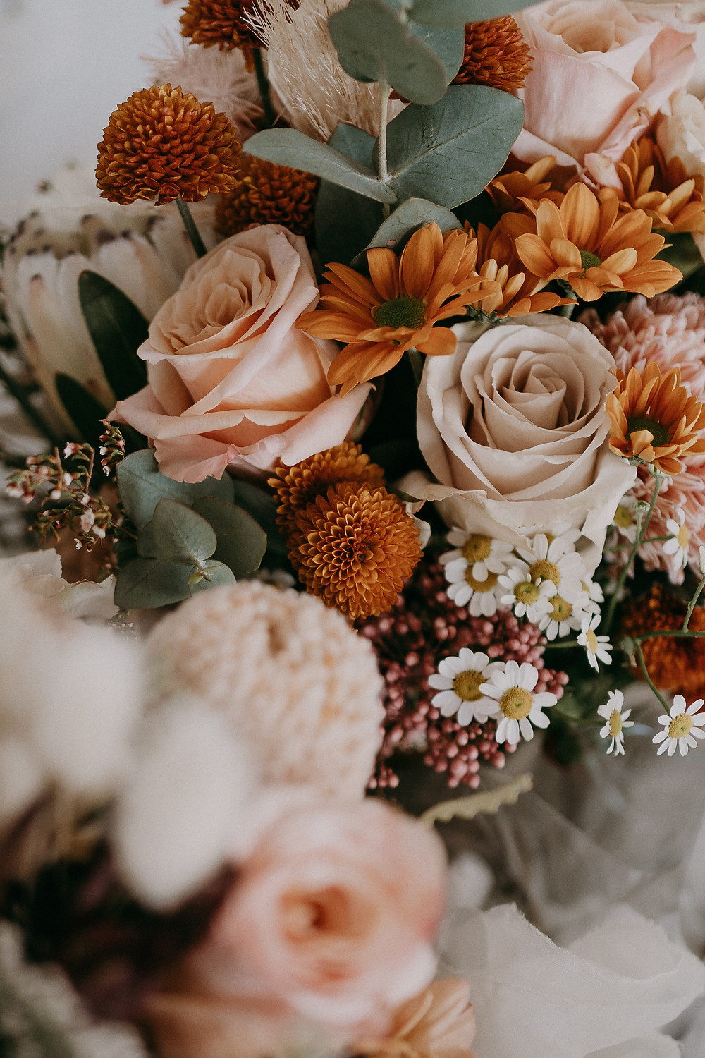 earthy-wedding-flowers-the-love-archives