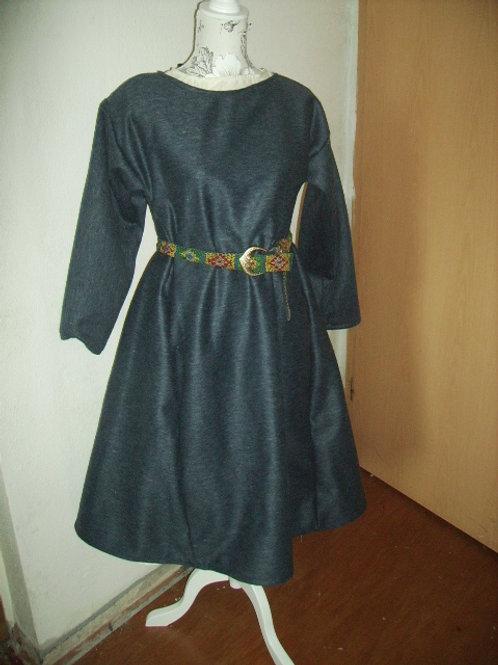 Mädchenkleid aus Wolle