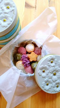 米粉のクッキー缶