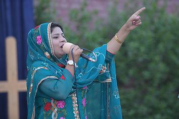 PMI CHURHC SINGER PIC.JPG
