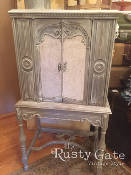 Decoupage and chalk paint techniques by