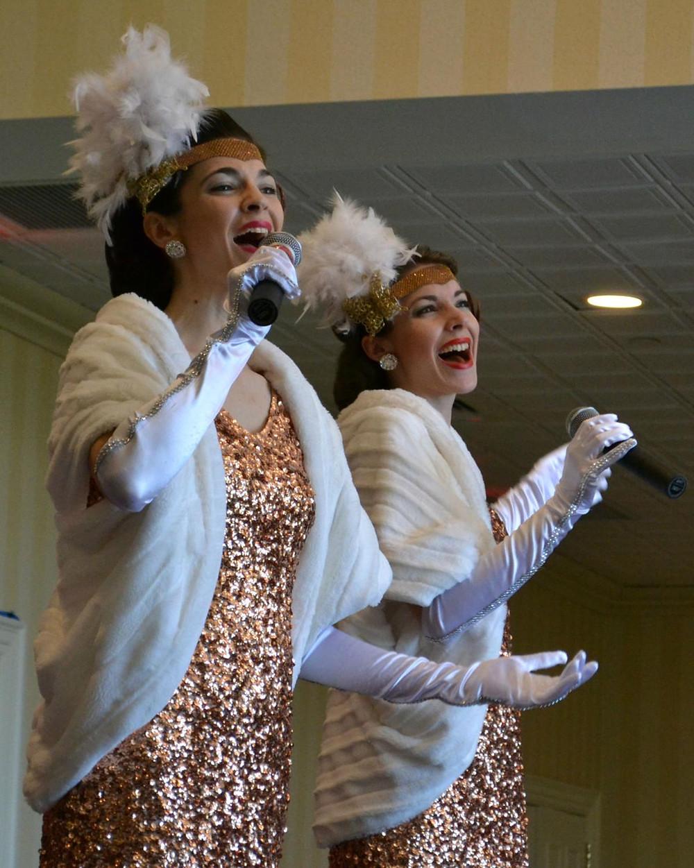 Gatsby 1920s Singers Charleston