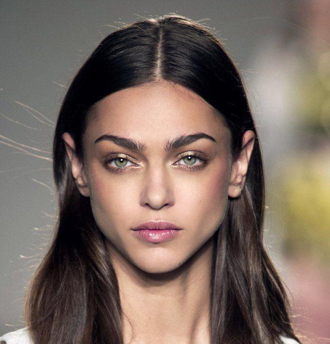 Maquillage des yeux Verts, dorés, et noisettes