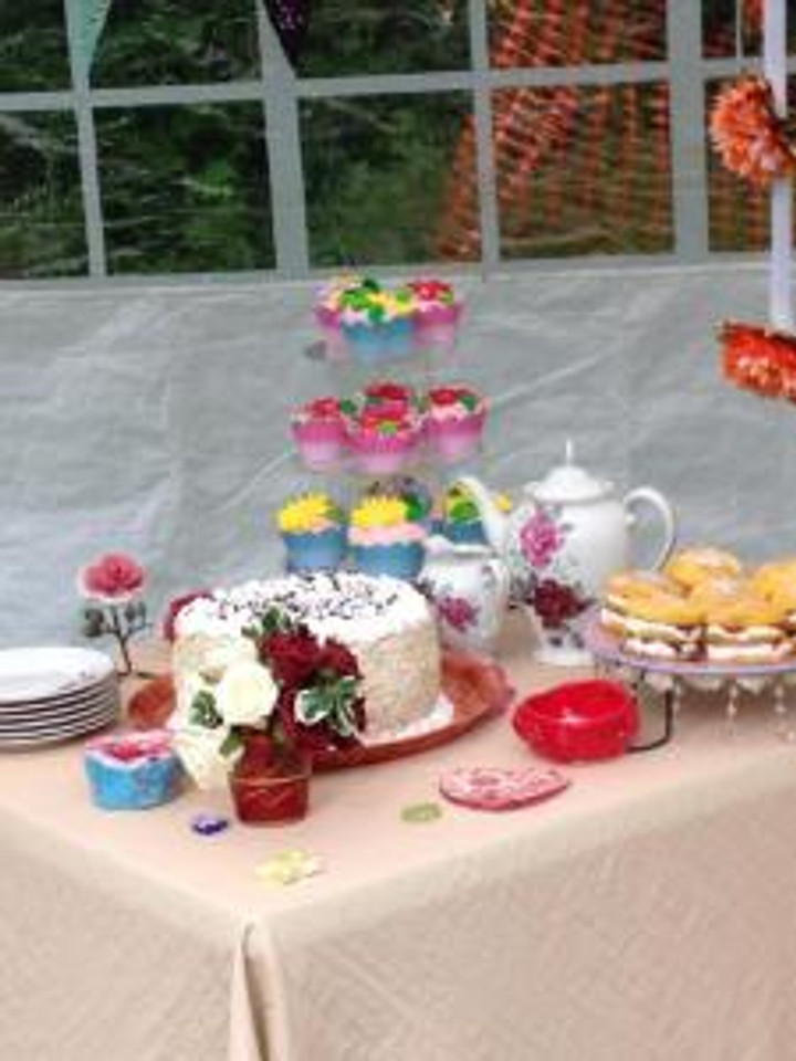 This wasn't just for show - every member of the audience had drinks and cakes while at Lord Capulet's Garden Party