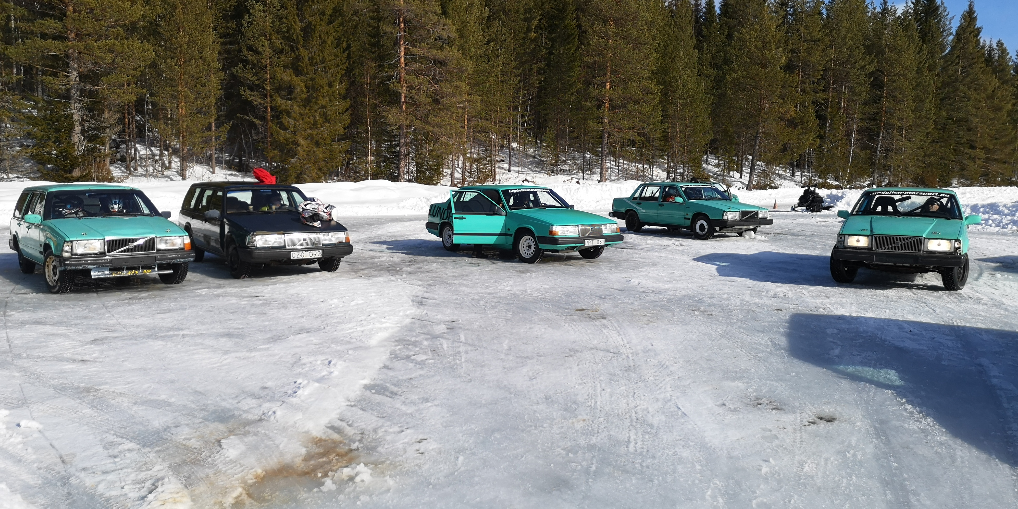 rally on the ice15