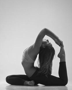 Yoga.sexy.A.12.jpg