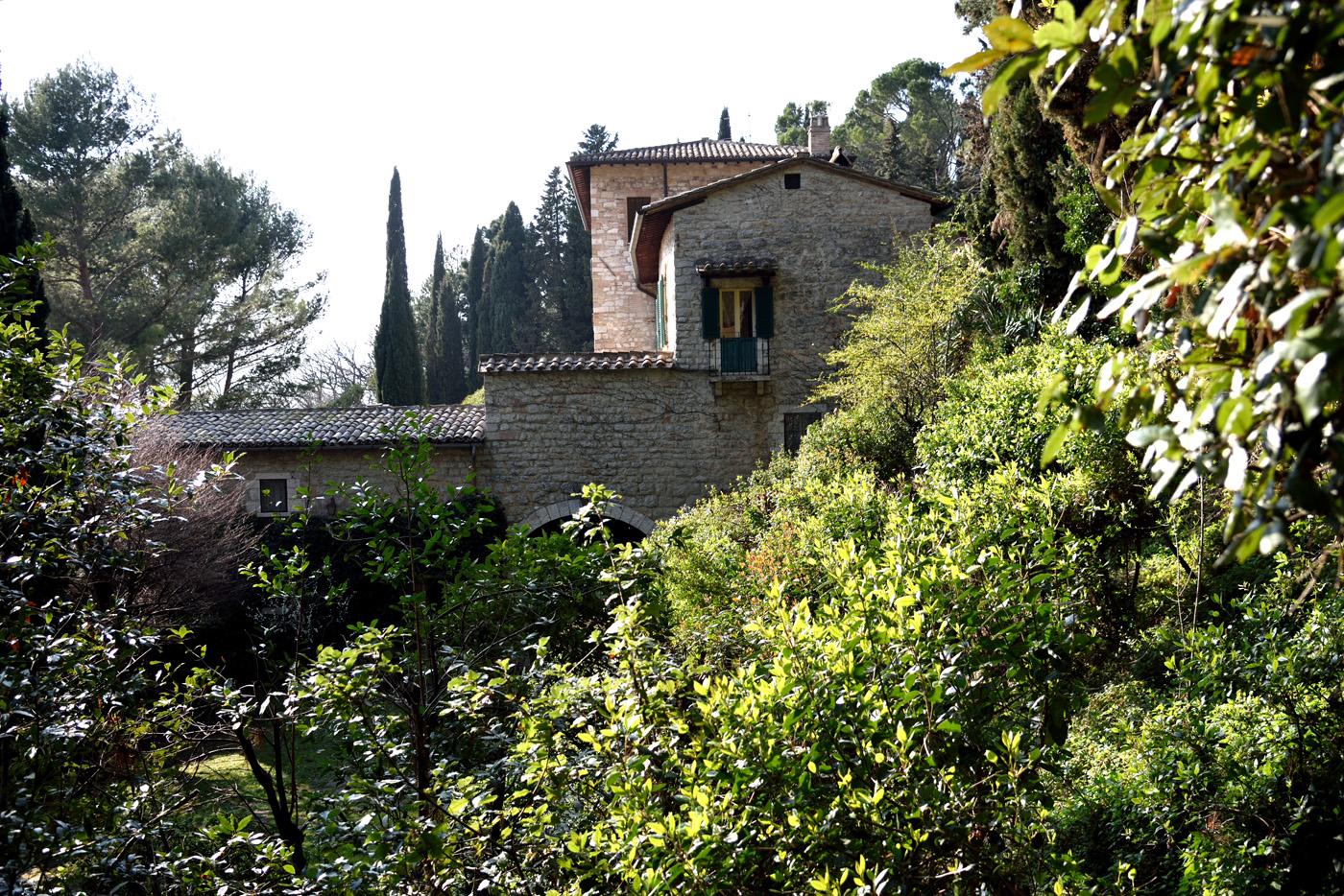 La villa vista dal giardino