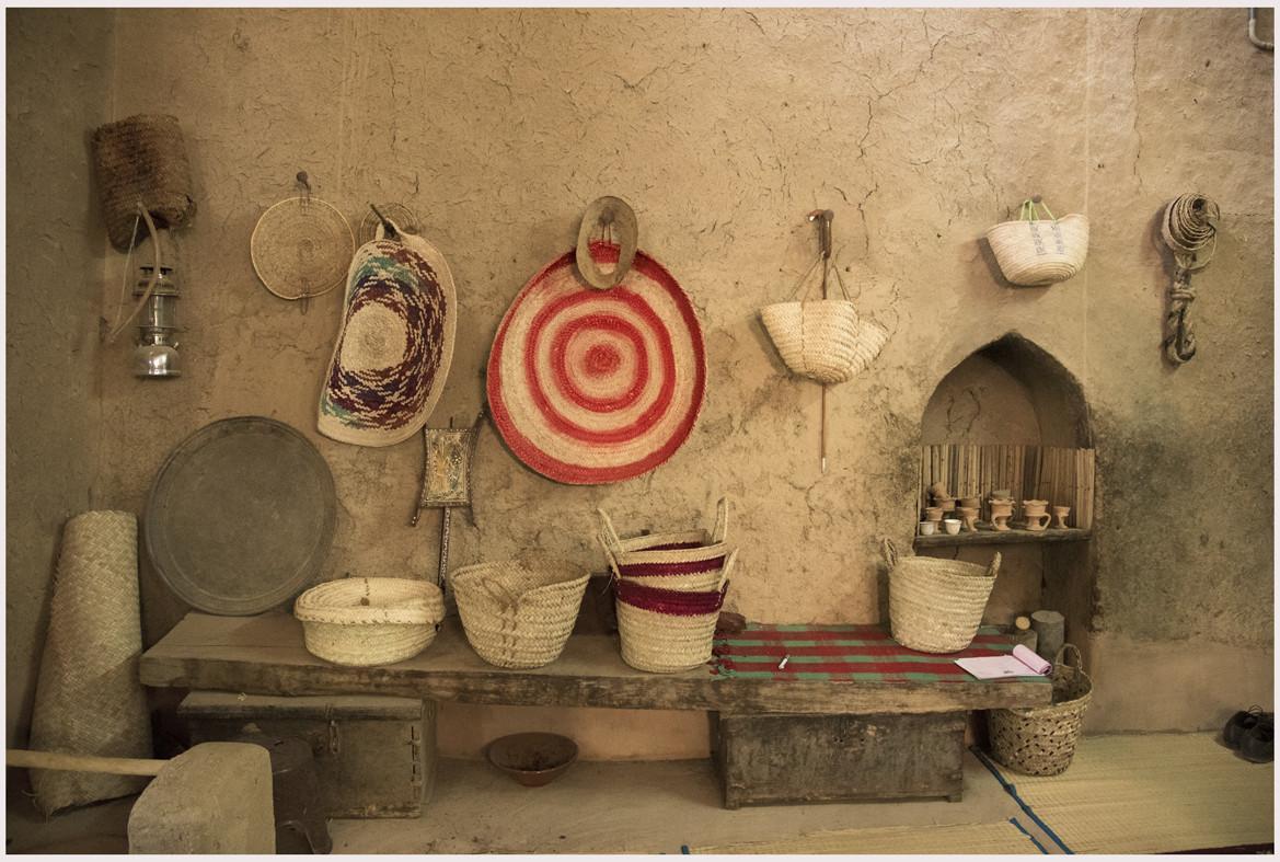 Prodotti di artigianato realizzati con foglie di palme