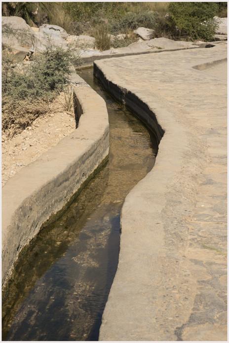 Wadi Bani Khalid - Canale d'irrigazione