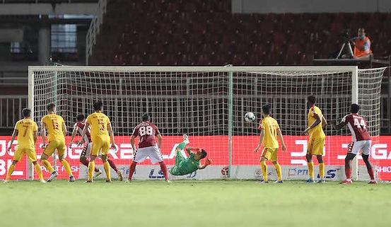 Xuân Nam Scores City's Winner.jpg