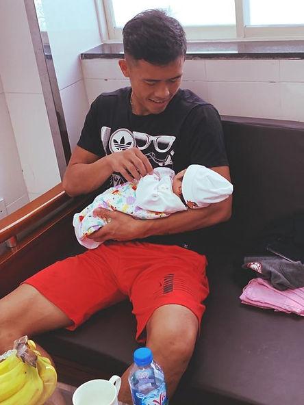 Công Thành Nguyễn Wiyh New Baby.jpg
