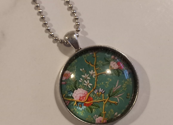 Deep green  floral necklace silver setting