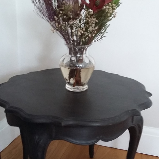 Small round Belgian table