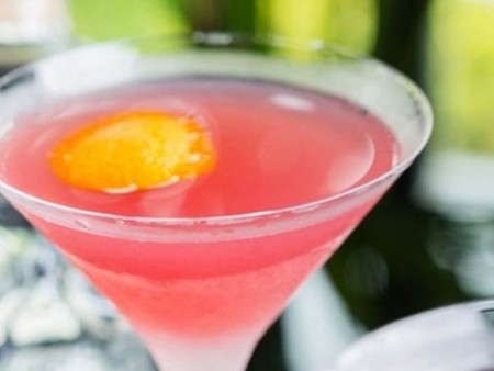 Le Cosmopolitan, le cocktail New-Yorkais hyper simple à réaliser