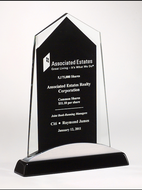 6 5/8 x 9 7/8 Apex Series glass award black piano-finish base