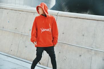 vetements hoodie street style