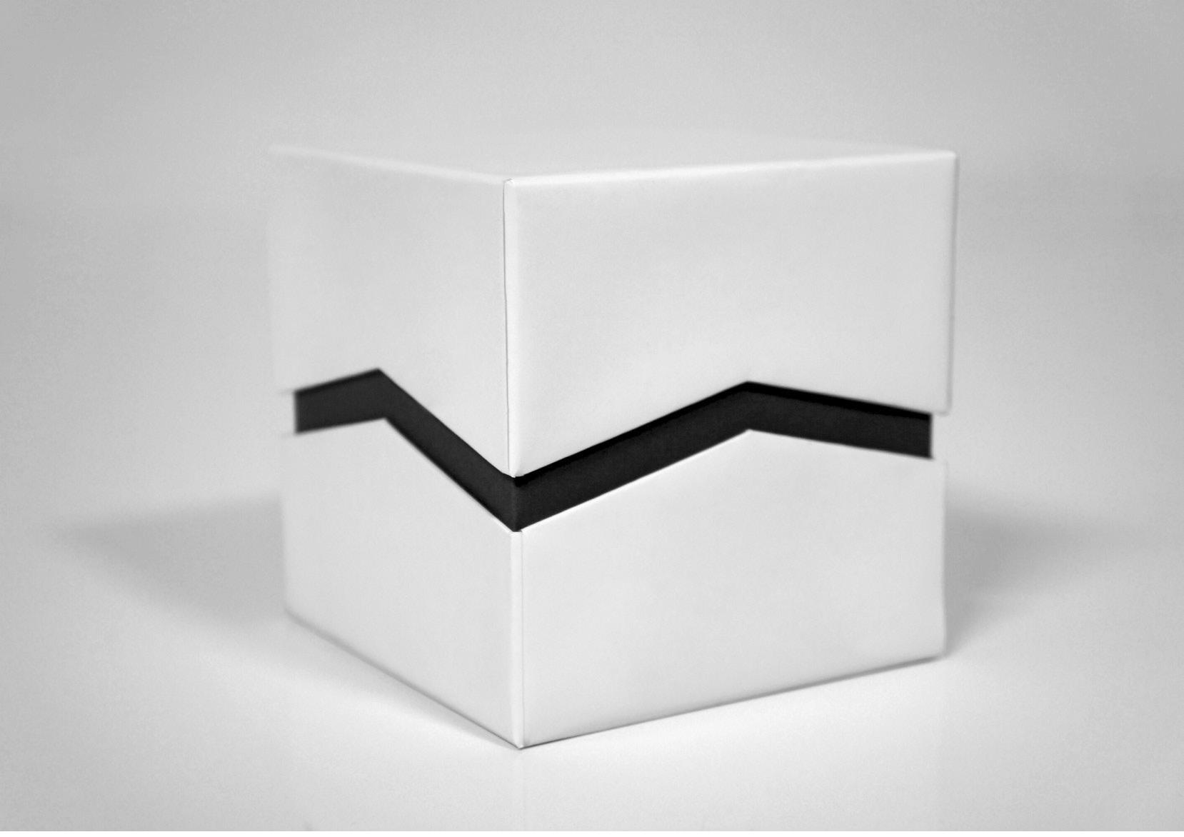 Zig Zag Cuff Box 01