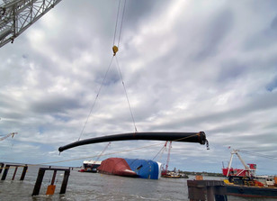 Photo Release: First Floating Pipe Barrier Segment Installed Around the Wreck Site