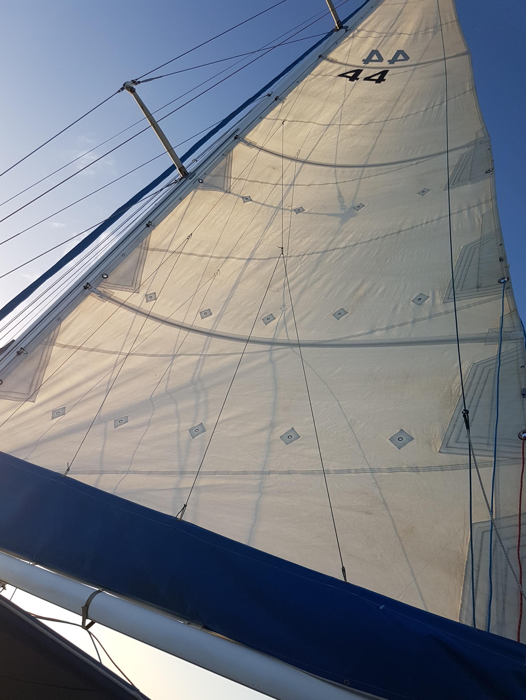 8 knots an hour