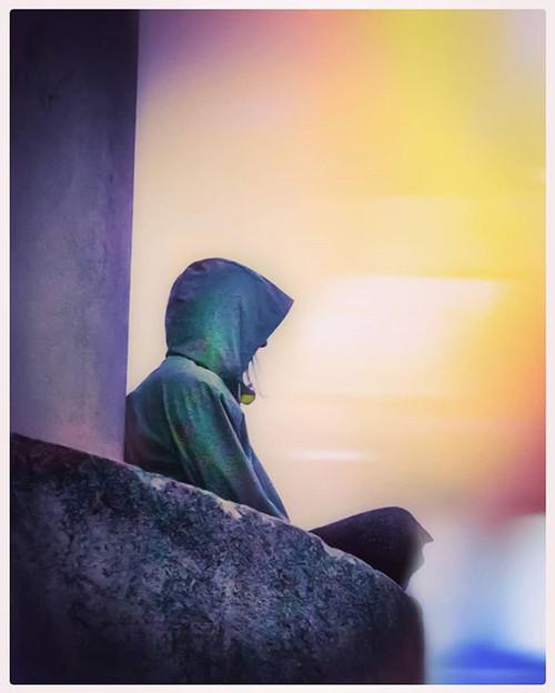 _Y te quedas agazapada en tu sombra mien